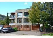 D147 - DEPARTAMENTO DE UN DORMITORIO  50 m2 mas 20 de jardin y estacionamiento