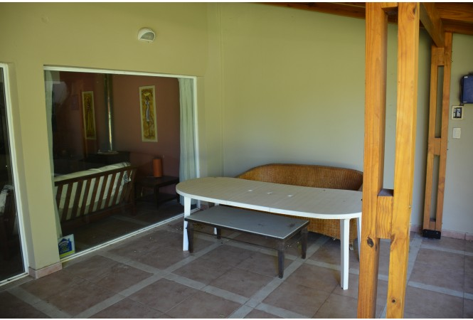 NQN005 - Moderna casa en Villa Lago Mari Menuco