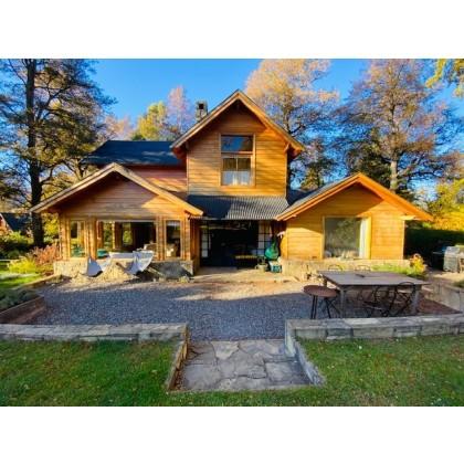C182- Excelente casa de 5 dormitorios 220m2 en lote de 800m2 - Altos del Sol