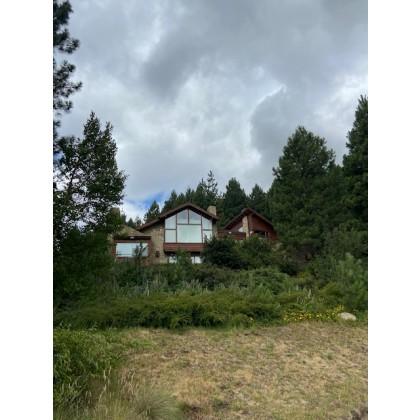 AL171 - Exclusiva propiedad en alquiler - en Chapelco Golf