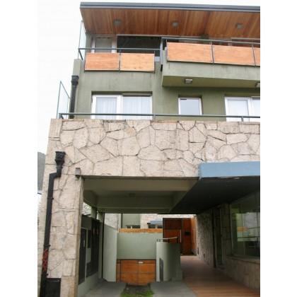 D179 Monoambiente con patio 33m2 - Gral Roca al 1300 -  Centro