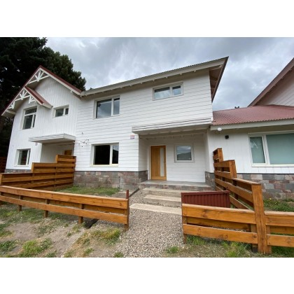 C176 - Casa de 3 dormitorios en Villa Vega San Martin - lote de 175m2