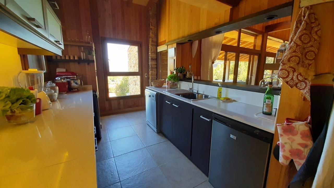 C173 - Casa Valle Escondido - Casa 335 m2 en lote de 5000 m2