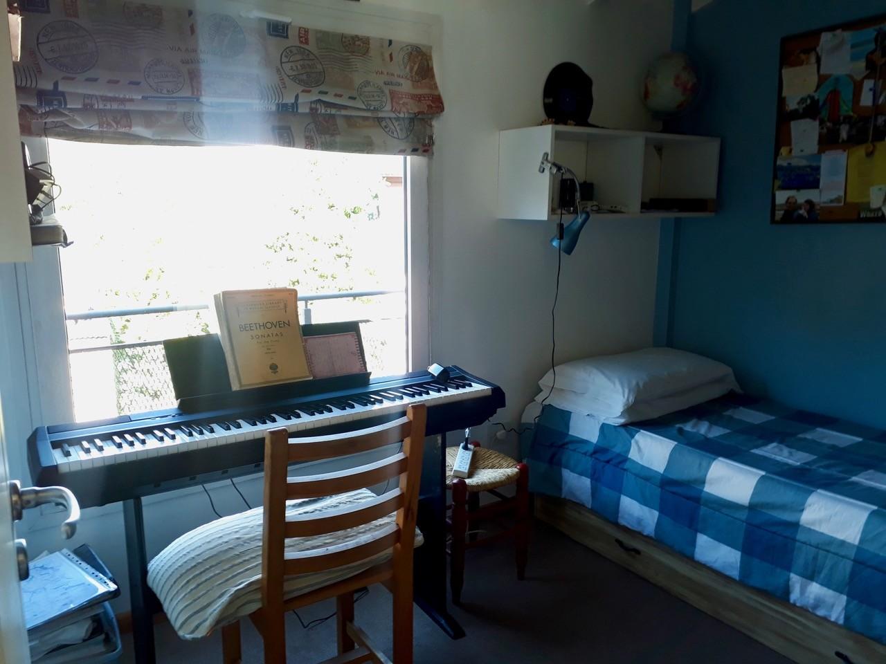 D151 - Departamento dos dormitorios- en  el centro, con cochera - 54,5 m2