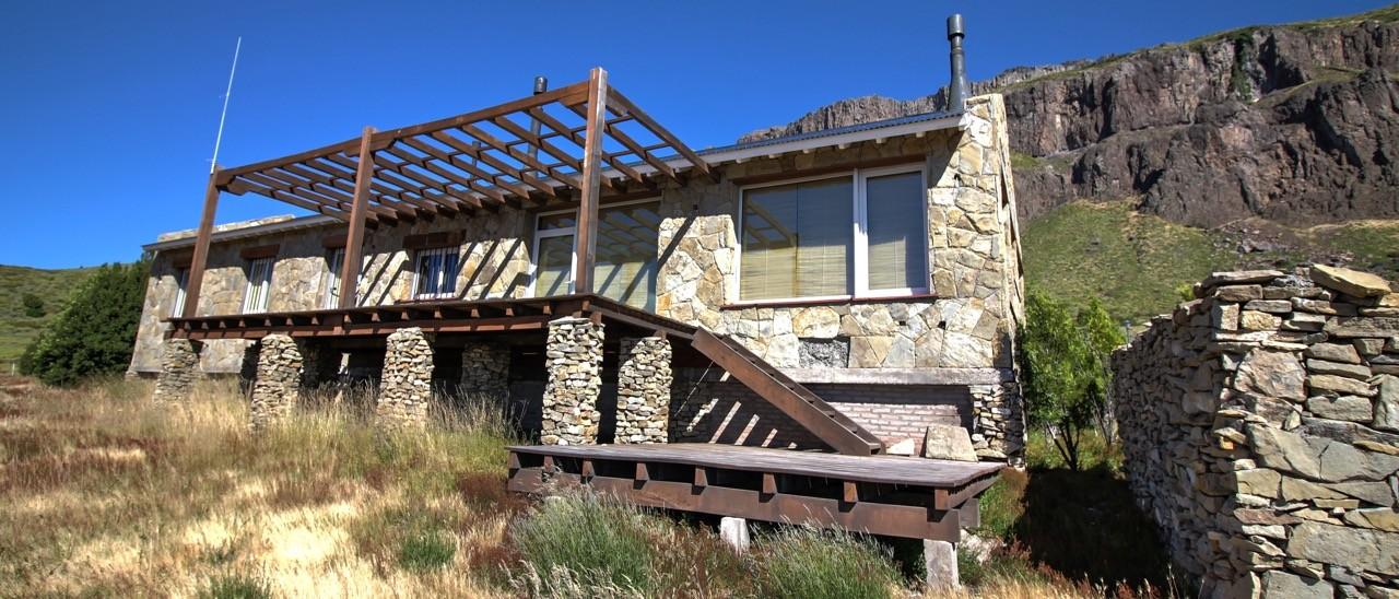H023 - Excelente casa de campo en Altos de Chapelco de 250m2, 16 hectáreas.